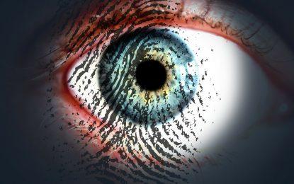 Polizia accede a un telefono con un'impronta digitale ricostruita
