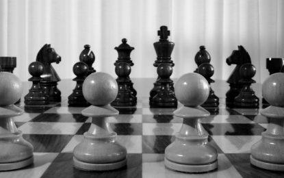 """Campione di scacchi blinda il PC. """"Paura degli hacker"""""""