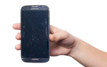 Samsung S4 e S5 K.O. con un singolo messaggio di testo