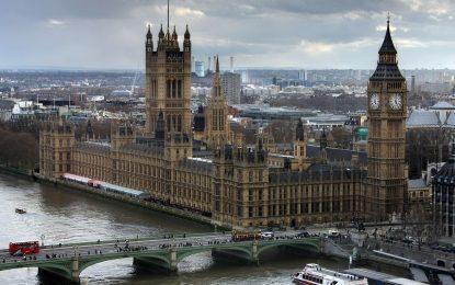 "UK: attacco hacker ""buca"" 90 email di parlamentari"