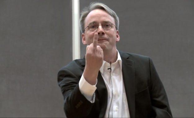 Vulnerabilità Spectre: tra Linus Torvalds e Intel volano gli stracci
