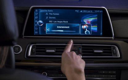 """Raffica di bug nei sistemi dei veicoli BMW. Gli esperti: """"rischio hacking"""""""