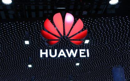 Tra USA e Huawei volano gli stracci